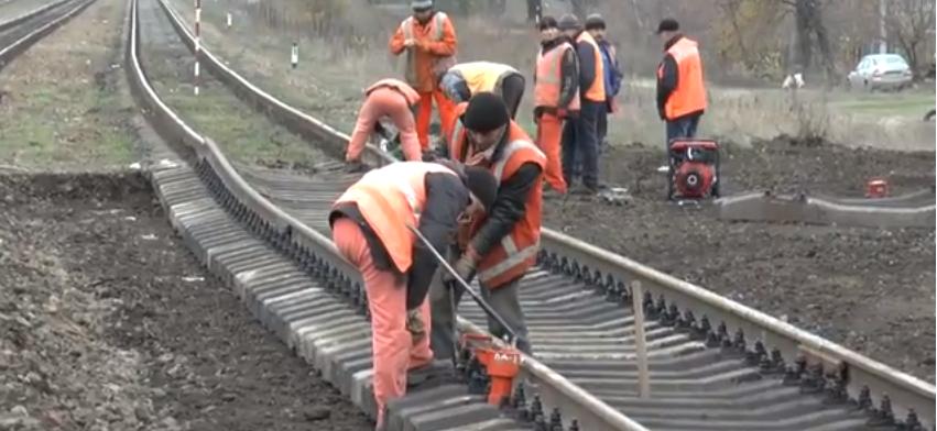 В Рубежном начался ремонт железнодорожных переездов