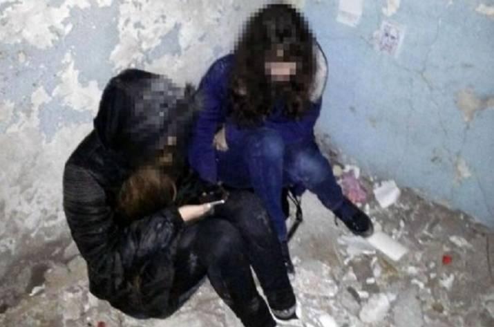 ВМариуполе полицейские спасли 2-х  15-летних девушек отсамоубийства