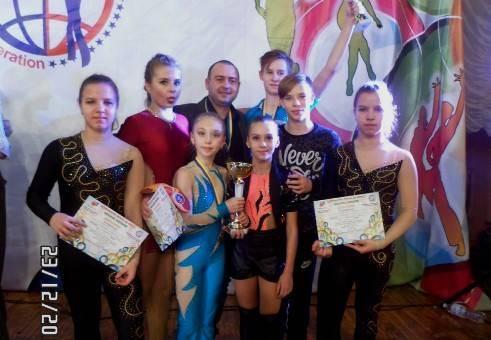 З нагородами повернулися луганчани з першості країни з акробатичного рок-н-ролу