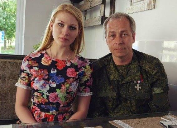 Комбат: пока Басурин развлекается с московской