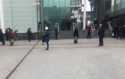 Вокзал в Донецке ожил, но поездов по-прежнему нет (фото)