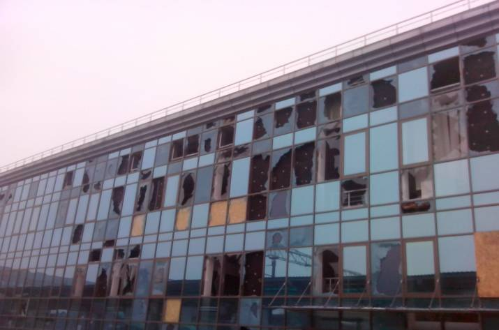 Как Припять: жители Донецка показали фотографии разрушенного ж/д