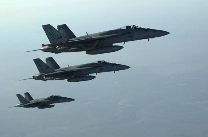 Стрелков заявил, что авиация США уничтожила сотню российских наемников