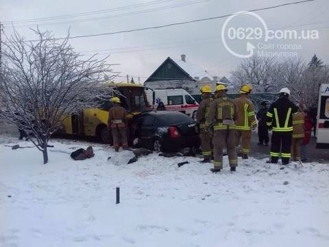 В Мариуполе случилось ДТП: 1 человек погиб, еще 8 - получили травмы