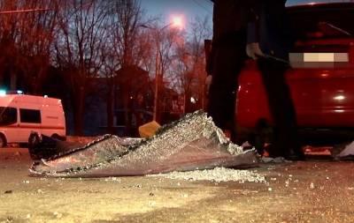 В результате взрыва в центре Донецка погибла девушка (видео)