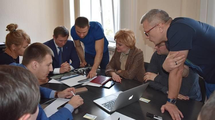 11 апреля народный депутат Украины Сергей Шахов пригласил в Северодонецк команду экспертов из Киева и представителей иностранных компаний с целью благоустройства города