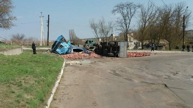 На Луганщине в результате ДТП пострадало 10 человек