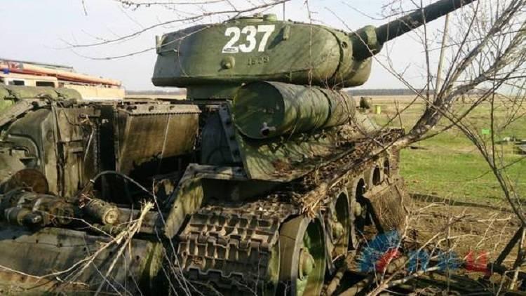 В Луганске уничтожили военную технику, предназначенную для парада (фото)