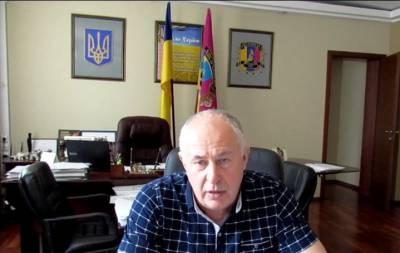 Лисичанский мэр Сергей Шилин перенес очередную 45-ю сессию городского совета, которая была прервана 2 мая из-за отсутствия кворума на 5 мая. Однако и в этот день большинство депутатов