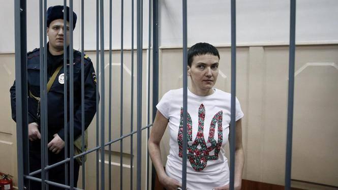 Сегодня, 15 мая, Шевченковский районный суд Киева продолжает рассмотрение дела Надежды Савченко.