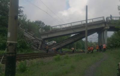 Мост около села Ивановка на трассе Хрустальный (Красный Луч) — Луганск был подорван боевиками.