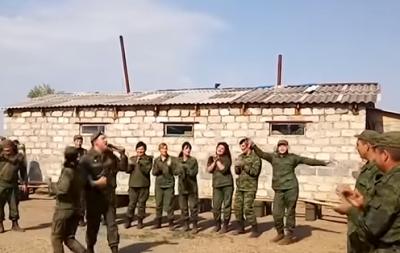 В Луганске снимают кино и прячутся от взрывов
