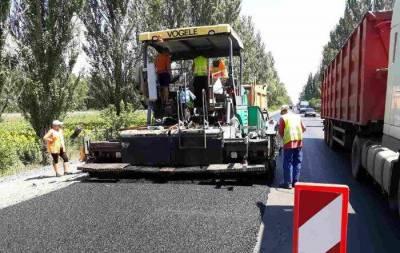 В Донецкой области начался ремонт автодороги между Добропольем и Покровском.