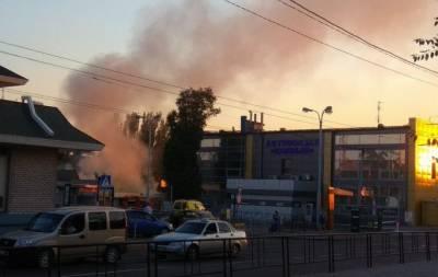 В Донецке произошел пожар на автовокзале (видео)