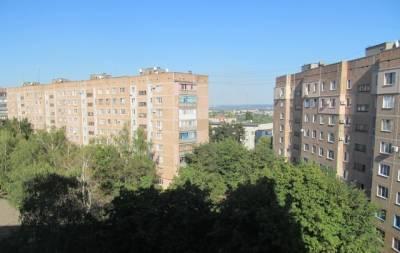 В Славянске 4-летний мальчик упал из окна седьмого этажа. Врачи констатировали смерть.
