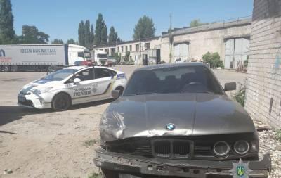 В Рубежном женщина на BMW столкнулась с тремя авто и покинула место ДТП (фото)