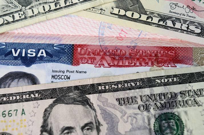 США практически прекратили выдачу виз россиянам