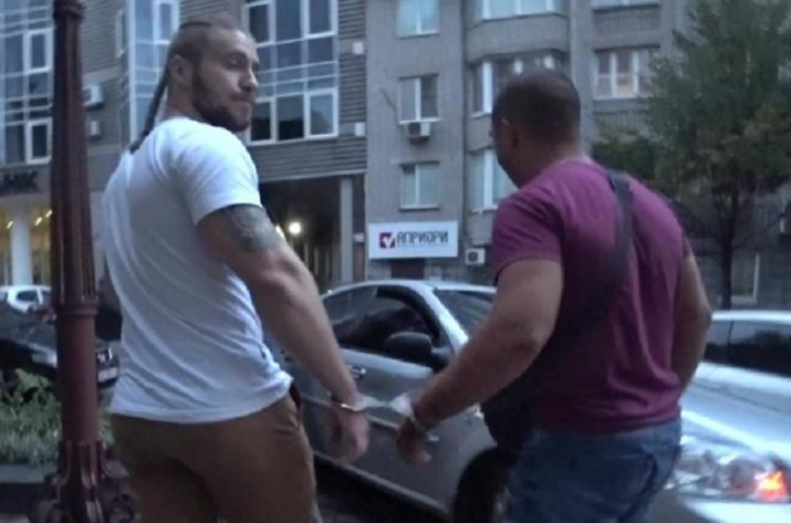Валерий Ананьев арестован перед презентацией своей книги