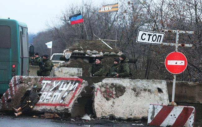 На оккупированном Донбассе вводят электронные пропуска