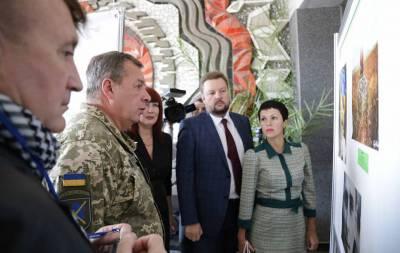 В Северодонецке открылась выставка, посвящённая бойцам за независимость Украины