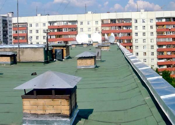 В Донецке подросток разбился насмерть, упав с крыши многоэтажки