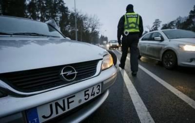 В Верховной Раде группа внефракционных депутатов внесла  законопроект, предусматривающий освобождение от ответственности за ввезение в Украину неразтаможенных  транспортных средств для нужд военных на