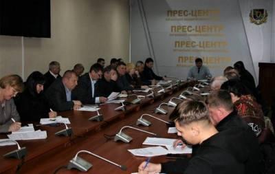 В Луганской областной военно-гражданской администрации хотят обратиться в Кабинет Министров Украины по поводу проблемы электроснабжения шахт региона. Об этом сообщает пресс-служба ЛОВГА.