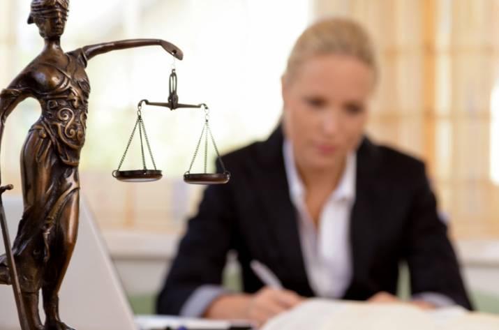 адвокат суд