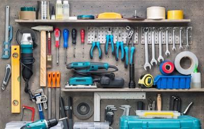 шуруповерт и другие инструменты
