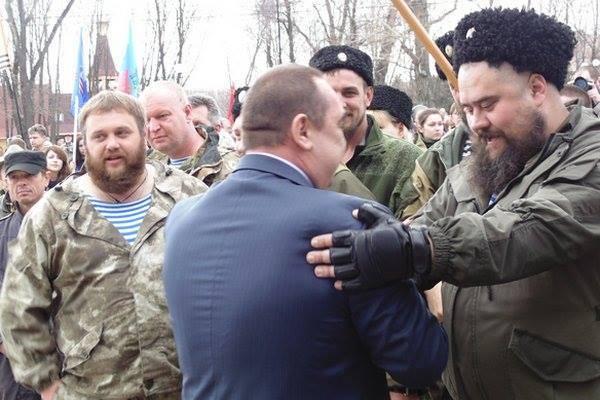 Всети интернет проинформировали обубийстве одиозного казака «ЛНР»