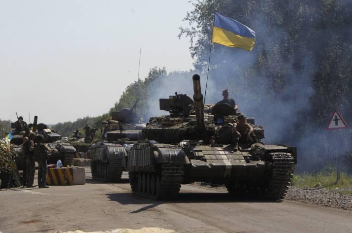Под Мариуполем «жарко»: боевики палят изБМП изенитных установок