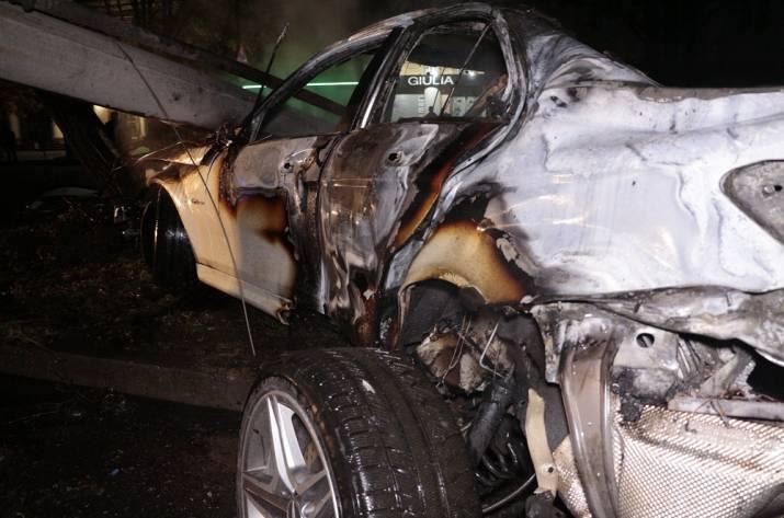 ВДнепре, убегая отполицейских, сгорел белый «Mercedes»