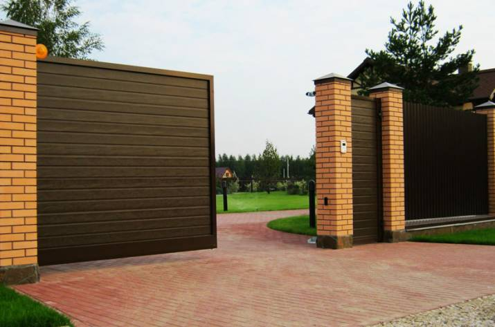 Откатные ворота: преимущества