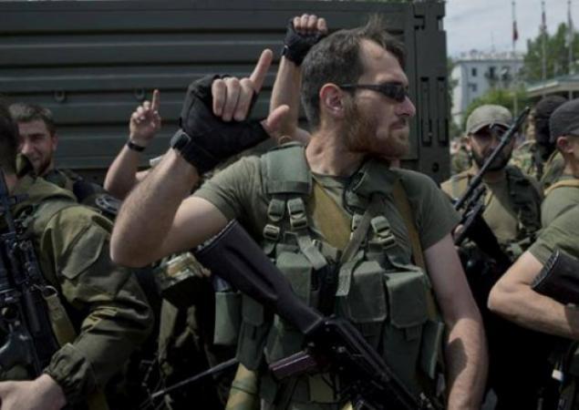 ВНовоазовске идут разборки между чеченскими наемниками и здешними боевиками «ДНР»