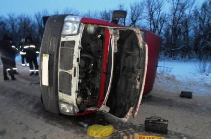 ВЛуганской области перевернулся автобус: 5 пострадавших