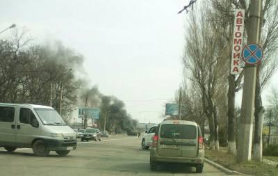Горит автомобиль боевиков Макеевка