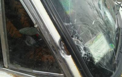 Снайпер боевиков обстрелял гражданский автомобиль