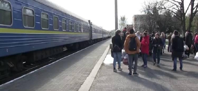 Потяг Єднання на Луганщині