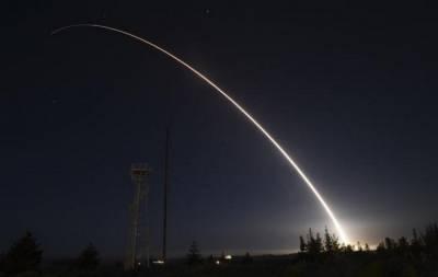 Испытание межконтинентальной ракеты в США