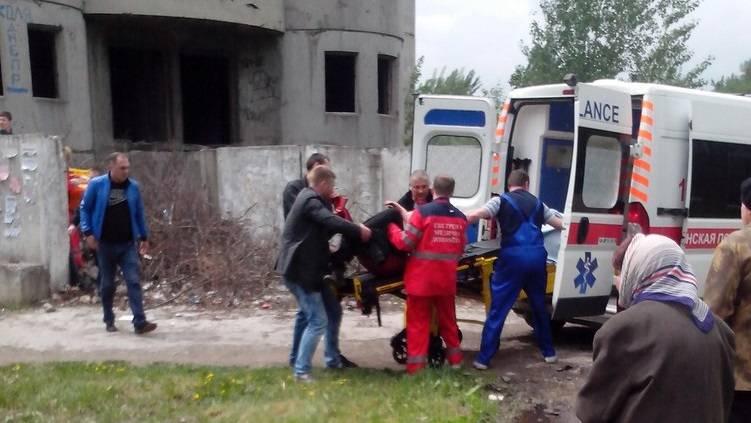 В Макеевке школьник упал с 5 этажа