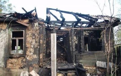 В Станице Луганской сгорел дом